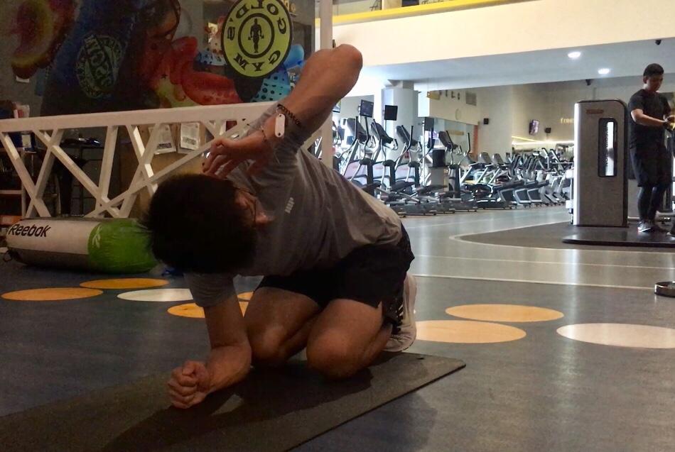 股関節と胸椎の可動域を向上させる簡単なコツ【ランバーロックの利用】